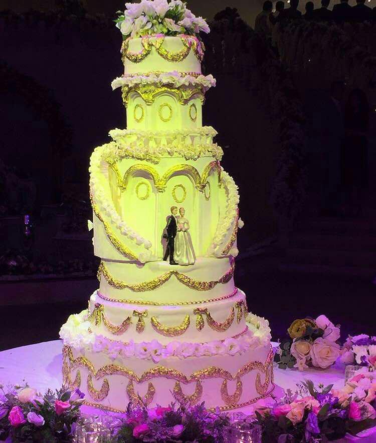 شیرینی سرای رزیتا در شیراز