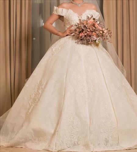 مزون لباس عروس کیانا