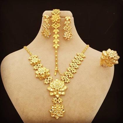 طلا و جواهری کهنموئی