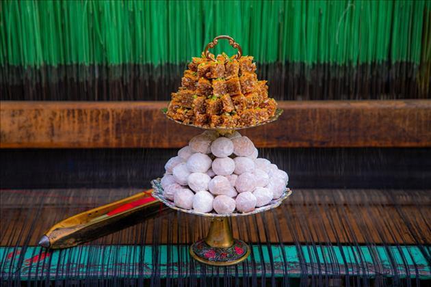 شیرینی سنتی مهروماه یزد